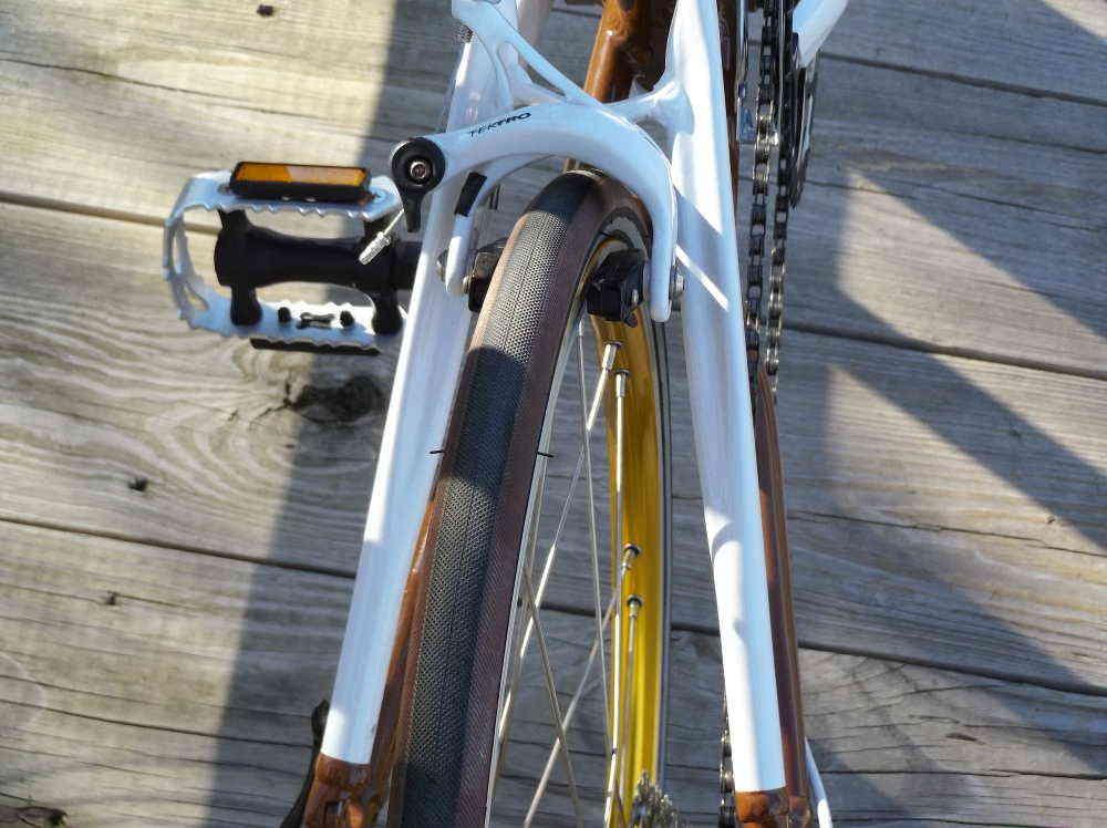 speed-race-rear-tire.jpg