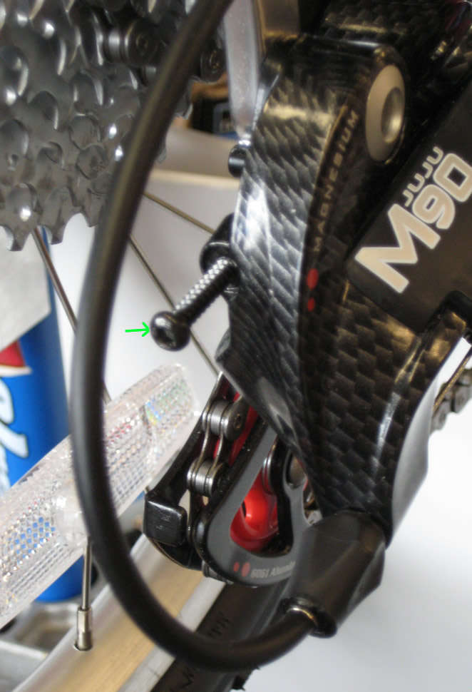 b screw adjustment on bicycle rear derailleur